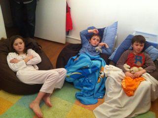 Enfants dans ludothèque